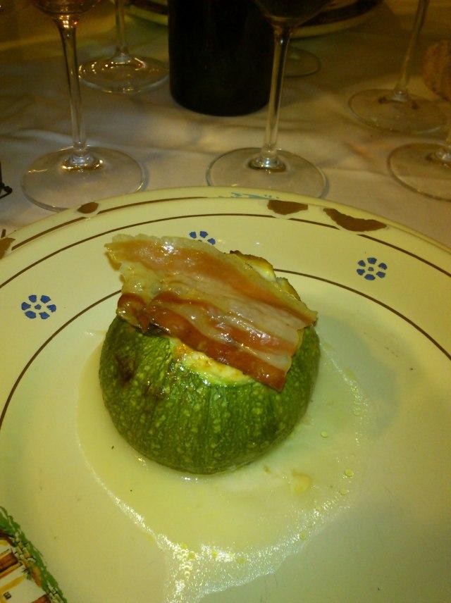 Zucchino stuffed with goat's cheese ricotta