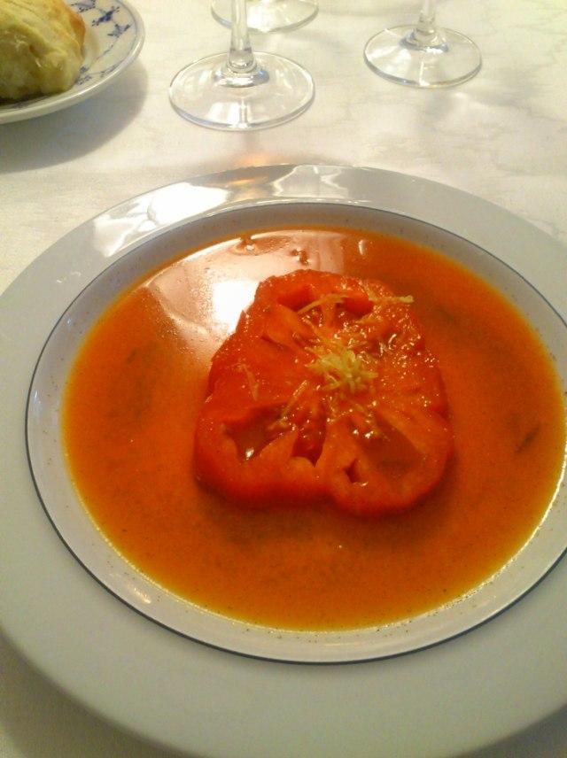 Tomato in roast pepper juice